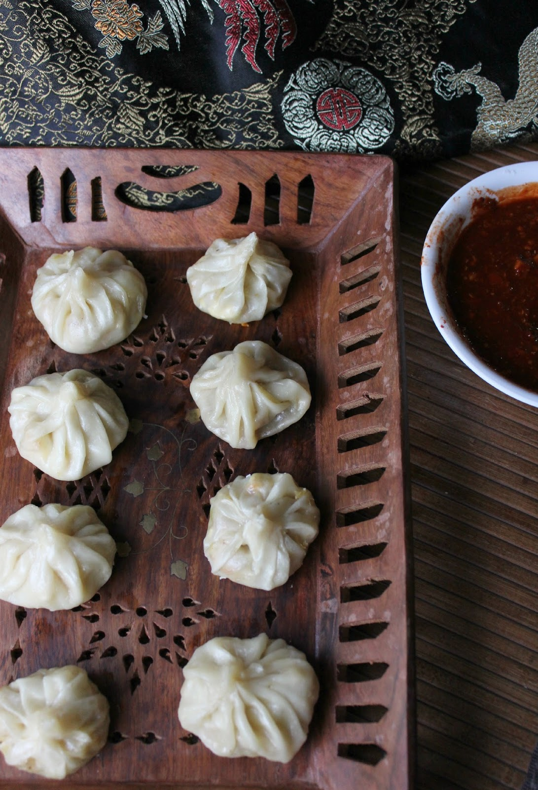 vegetable momo and chilli dip
